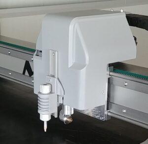 Plotter cutter Bravearm automazione